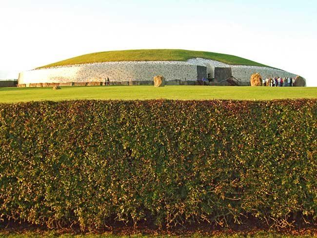 tumba de newgrange en Irlanda